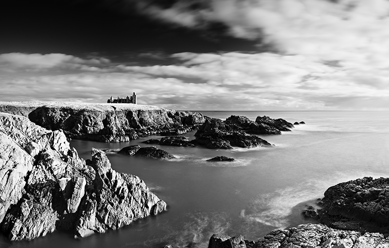 Slains castle0018-22b&w
