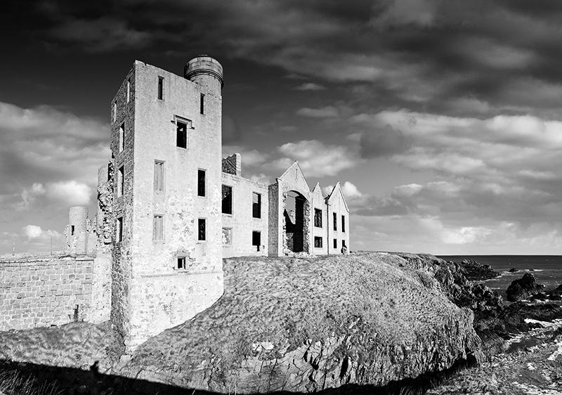 Slains castle0050-53skyb&w