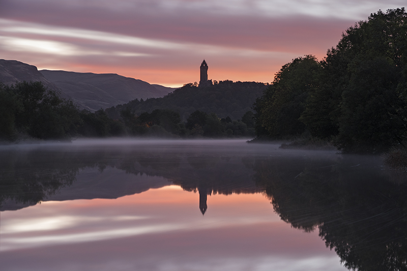 Wallace monument misty morning500014