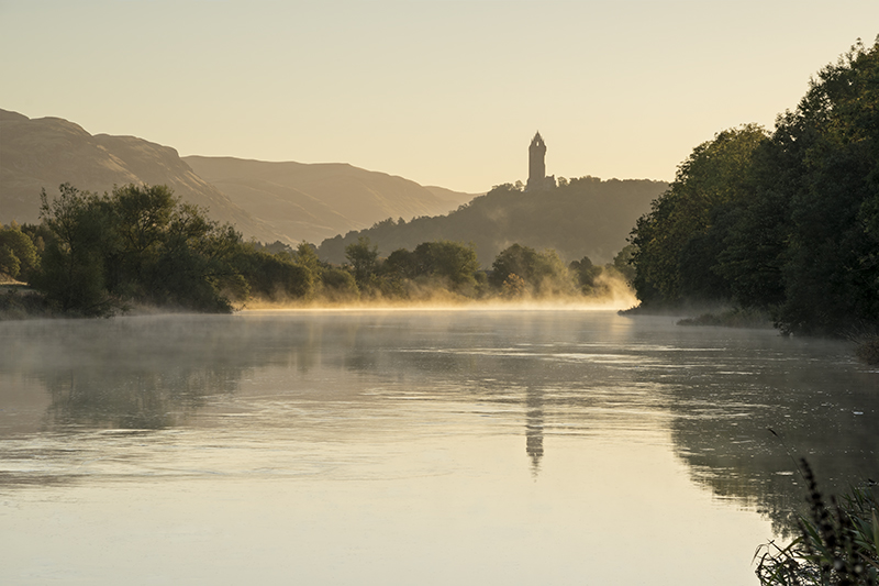 Wallace monument misty dawn500089-92