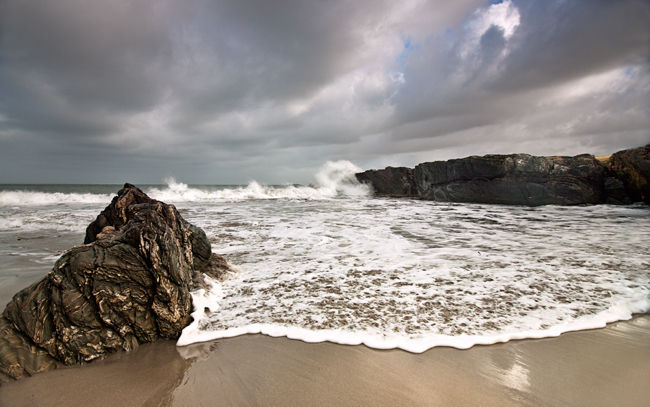 Ardnave Point, waves across the beach