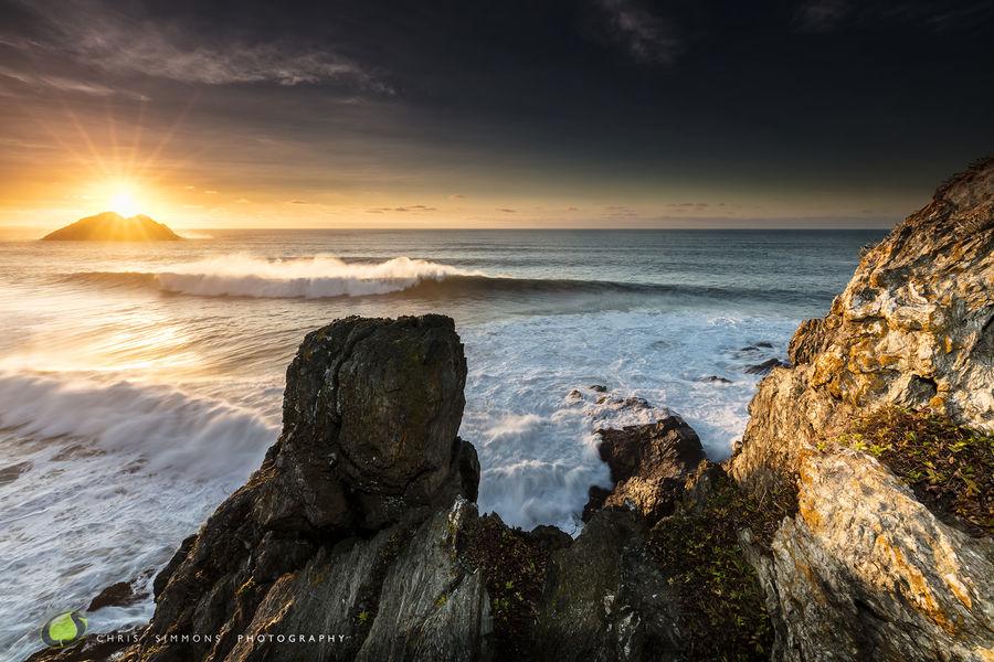 Gull Rocks - Winter Sunburst Over Breaker - rev