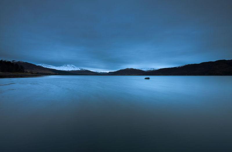 Loch Carron chilled dawn
