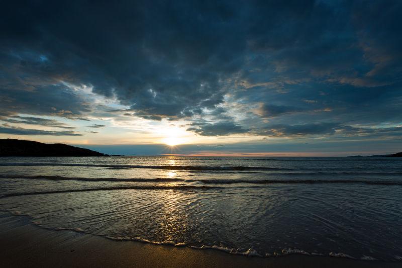 Sundown over Harris