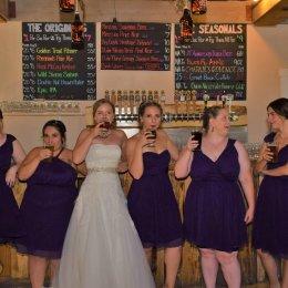 bride bridemaids toast 0475 (2)