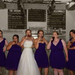 bride bridesmaids toast bw 0474 (2)