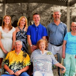 mary,ron,family-fx2-rz8x10-bw 0342