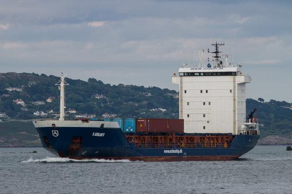 """Container vessel """"Arslan V"""" arriving into port"""