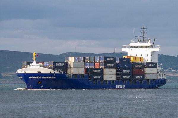 "Container vessel ""Samskip Endeavour"" arriving into Dublin port"