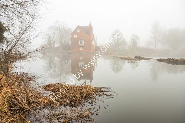 Fog over Fladbury Mill