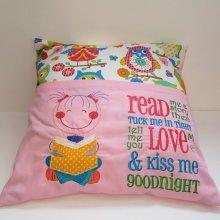 """""""Read me a book"""" girls cushion"""