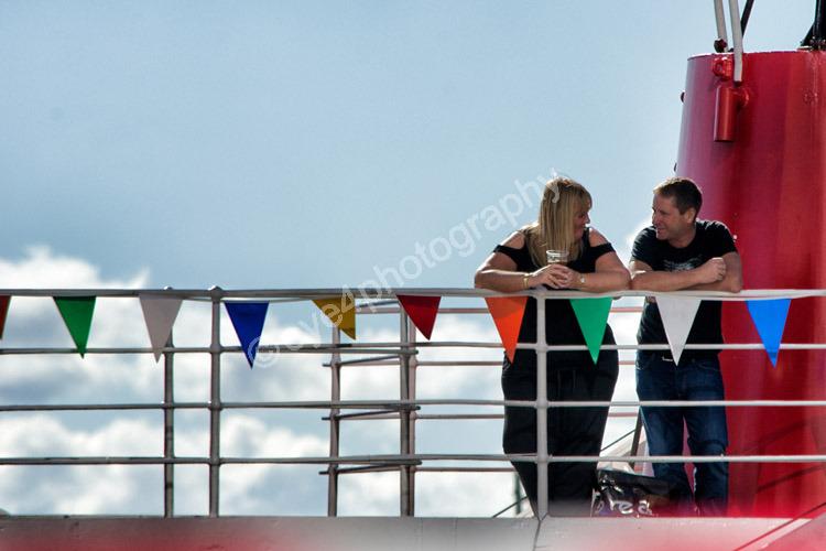 All eyes on deck