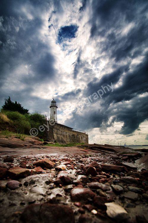 Hale lighthouse rocks (c)