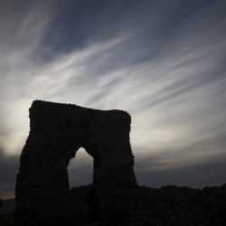fading light, dunnideer castle