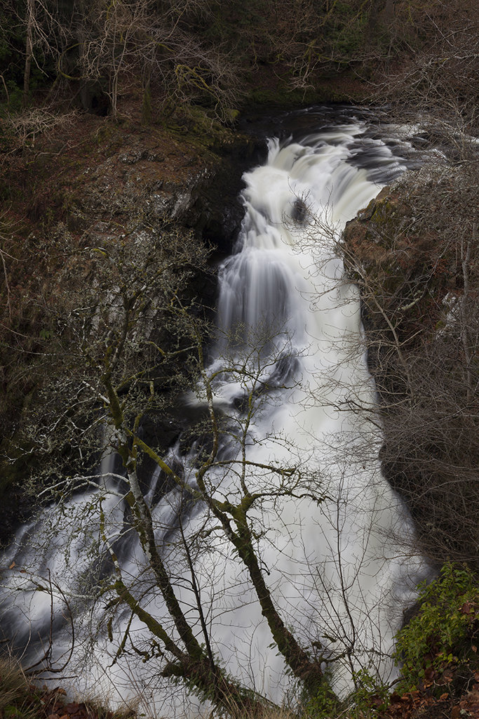 reekie linn waterfall