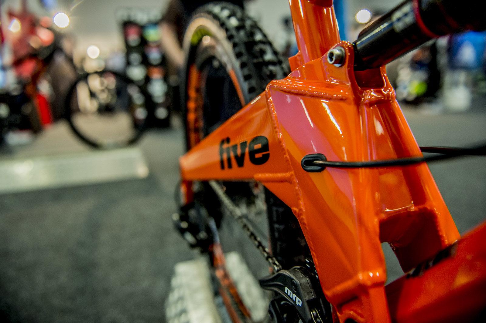 Orange Five swingarm detail