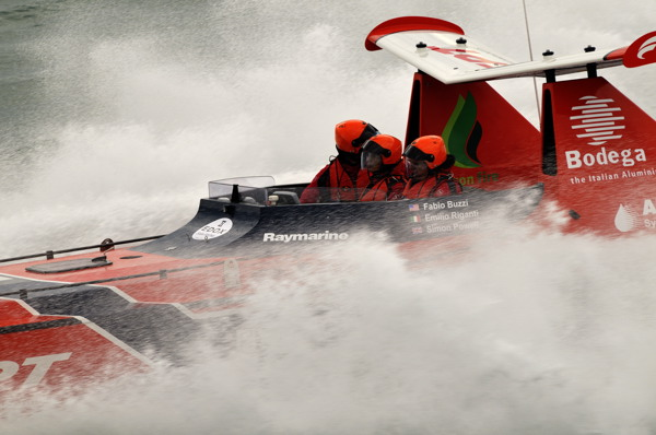 Red FPT wins the 2010 British Powerboat Festival.