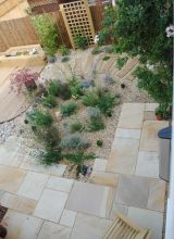 Gravel, timber and fossil sandstone
