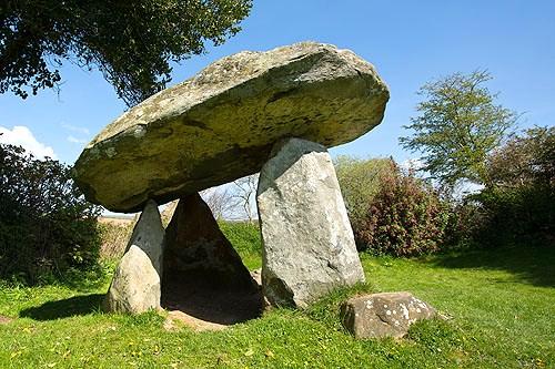 Carreg Coetan Arthur - Chambered Tomb