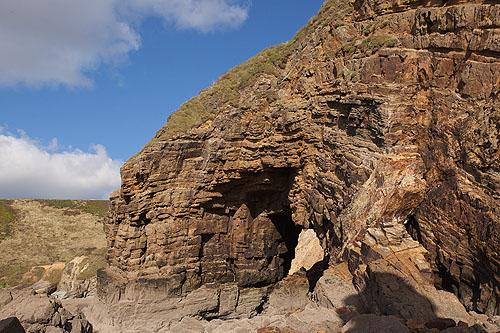 Rock - Greywacke / Natural Arch