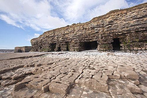 Tresilian Bay Caves