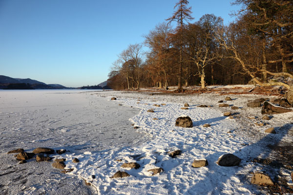 03D-0259 A Snowy and Frozen Derwent Water and the View North Borrowdale Lake District Cumbria.