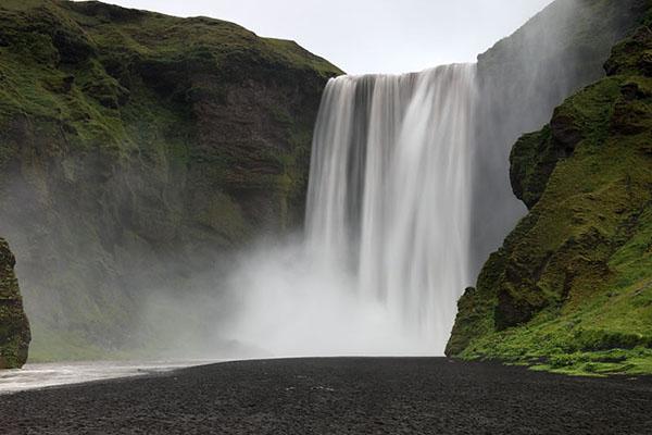 03D-5932  The 200ft (61m) High Skogafoss Waterfall Skogar Iceland.