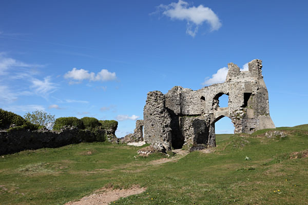 04D-8329 The Ruins of Pennard Castle Pennard Burrows Gower South Wales UK