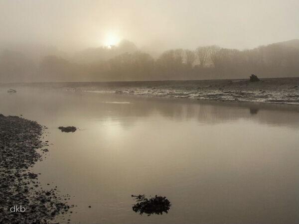 Sun through the fog, Passage House