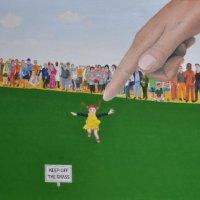 20123-Keep off the grass