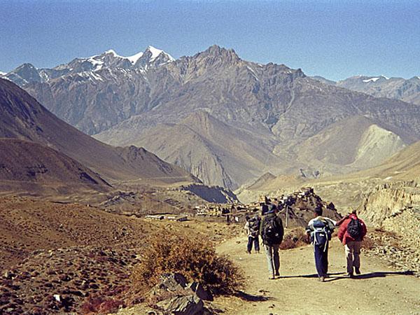 Descending towards Kali Gandaki
