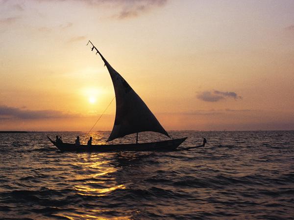 Sailing canoe on Lake Victoria