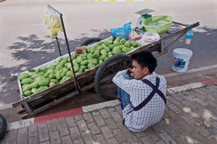 SEMARKETS 006 Mango Seller Vientiane