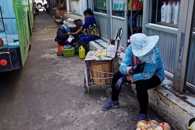 SEMARKETS 008 Nail Salon Vientiane Bus Station