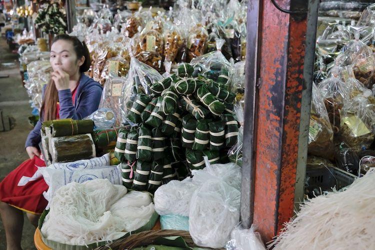 SEMARKETS 019 Noodles Luang Prabang Market
