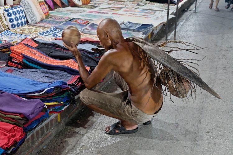 SEMARKETS 030 Cloth Stall Luang Prebang