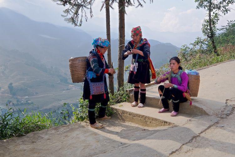 SESAP 002 Mhong women in traditional dress, N Vietnam