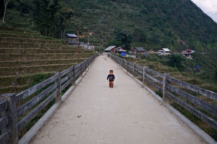 SESAP 006 In the N Vietnamese mountains
