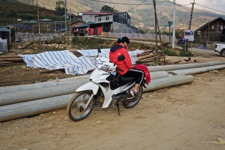 SESAP 008 'Messaging' along the Lao Chai, towards Ta Van North Vietnam