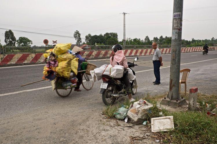 SESAP 046 Roadside Stop nr Sa Pa, NW Vietnam