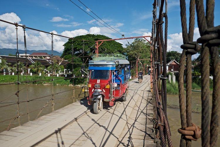 SESTREET 015 River Bridge Vien Vieng
