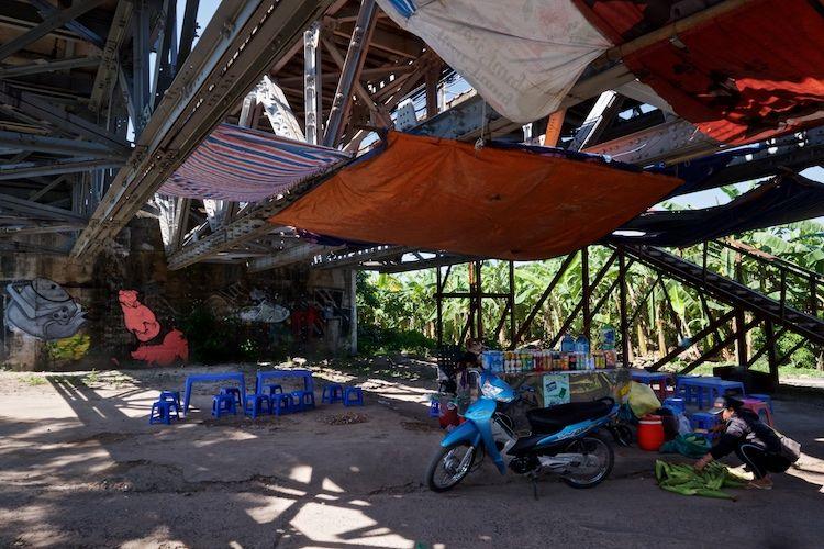 SESTREET 043 Cafe  beneath Long Bien Bridge Hanoi