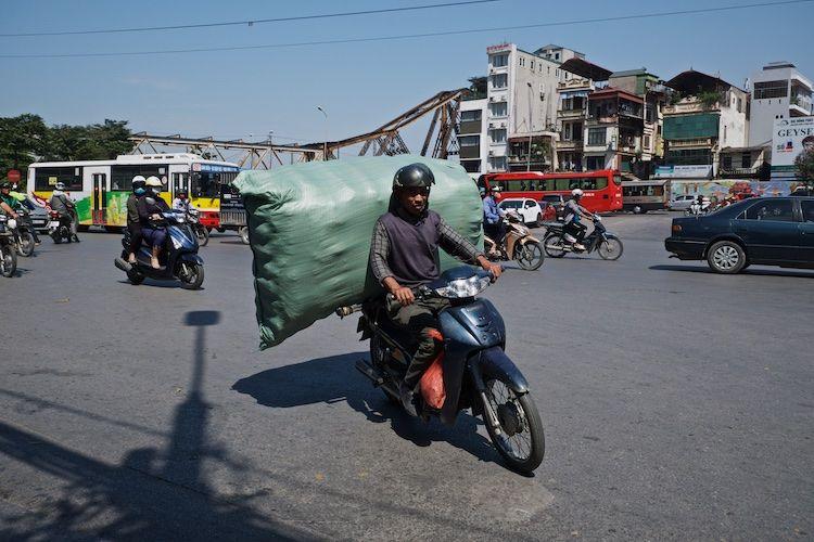 SESTREET 047 Traffic Hanoi