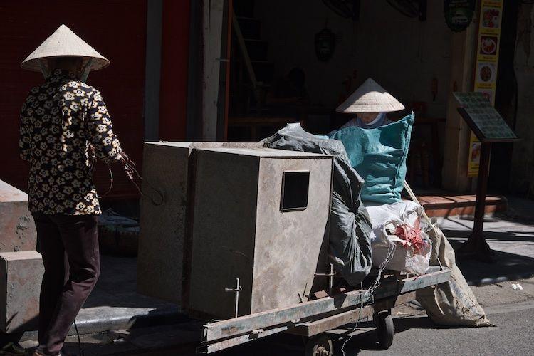 SESTREET 050 Street Labourers Hanoi