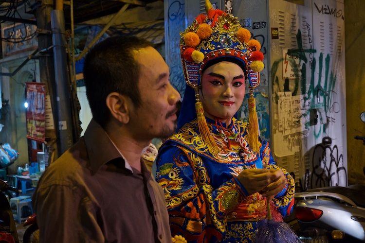 SESTREET 086 Street Performer Hanoi