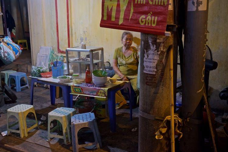 SESTREET 089 Night Cafe Hanoi