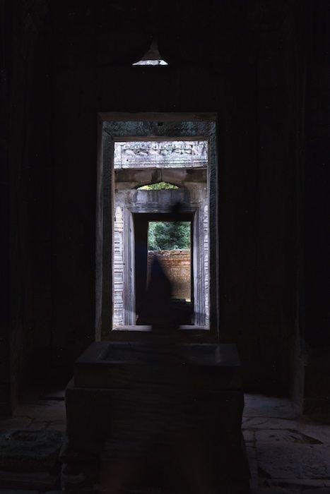 SESTREET 108D Passing Tourist Angkor Wat, Cambodia