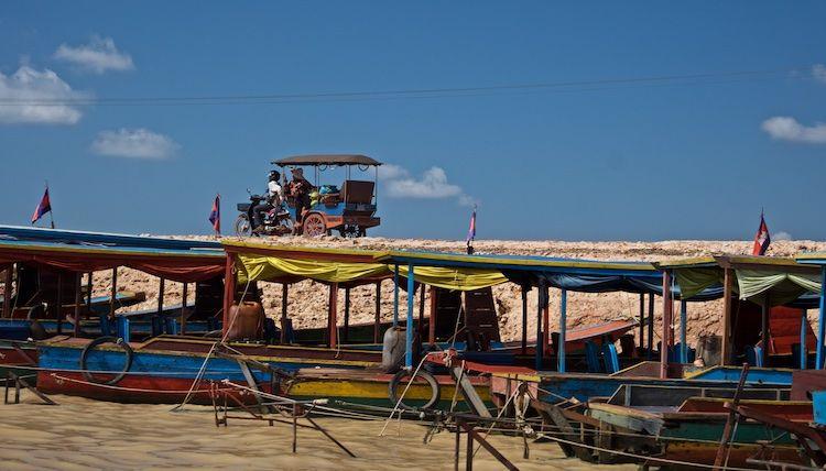 SEWATER 018 Kompong Phluk Village on the Tonle Sap, Cambodia