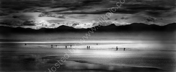 Nelson beach in monochrome