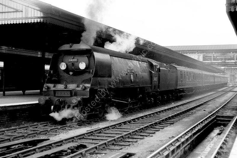 "34107 ""Blandford Forum"" at Exeter St David's"